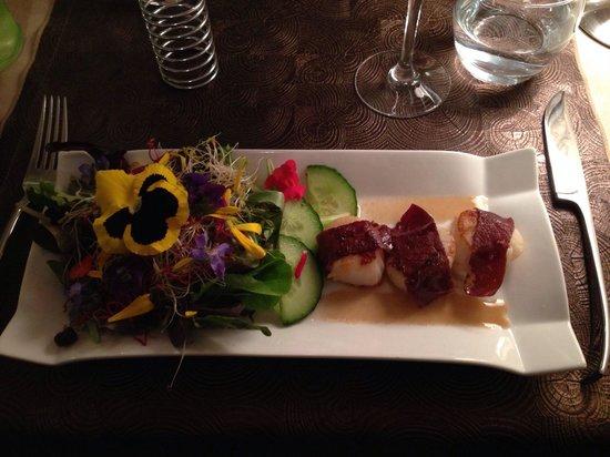 La Taille de Guêpe : Salade de fleurs et saint Jacques