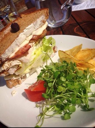 Fern Cottage Restaurant : Our Rockefeller Club Sandwich - delicious homemade toasted bread with freshly sliced turkey, bac