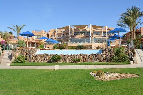Shams Prestige Abu Soma Resort : view from beach pool, resto + bar