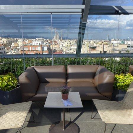 83,3 Terrace Bar