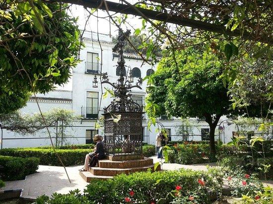 Barrio Santa Cruz : plaza santa cruz