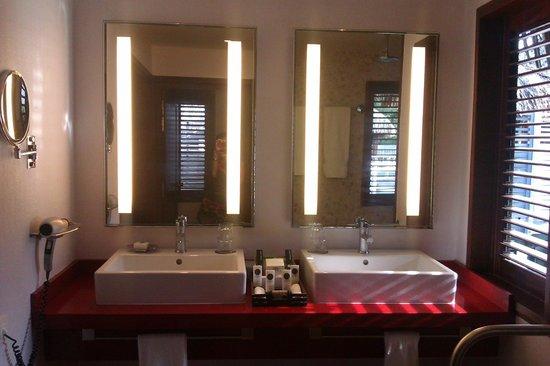 Sofitel Bora Bora Marara Beach Resort: over the water bathroom