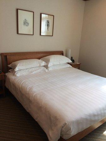 Fraser Place Robertson Walk, Singapore : Master Bedroom