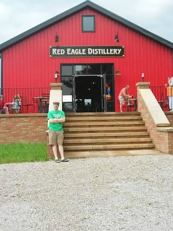 Red Eagle Distillery: outside