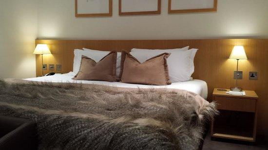 The Nadler Kensington: Very Comfy Bed