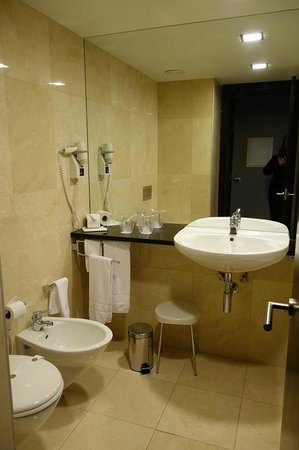 Hotel Dona Ines: Bathroom