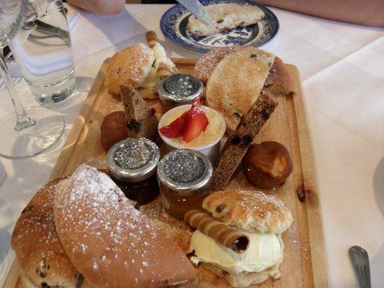 Penhelig Arms: Afternoon tea!