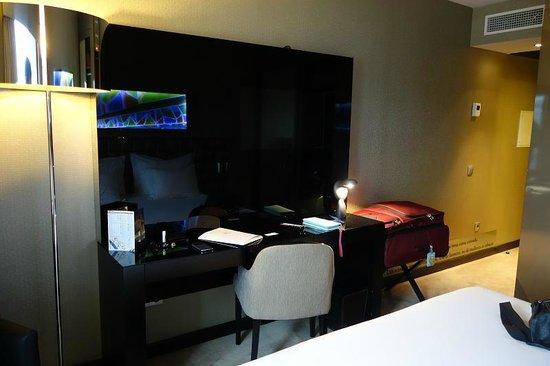 Hotel Dona Ines: Desk area
