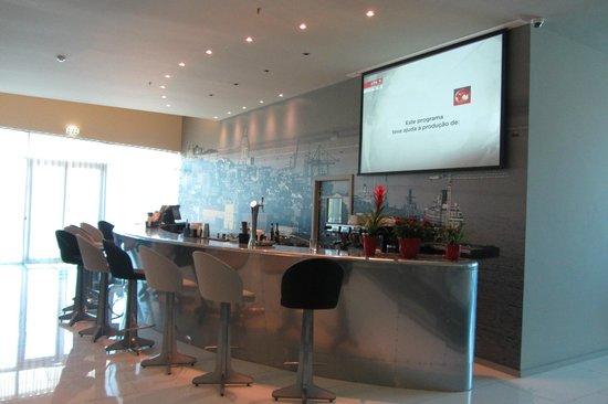 Tryp Lisboa Aeroporto: Piano bar