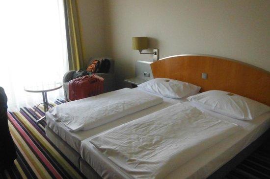 H+ Hotel Köln Hürth: 寝室