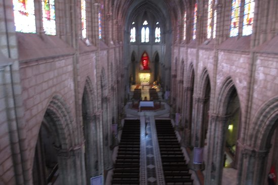 Basílica: View of the interior from the gallery