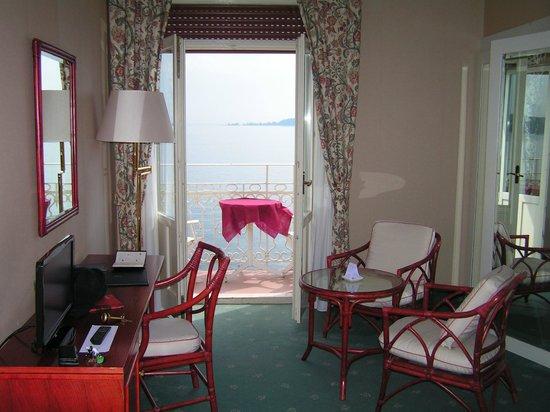 Grand Hotel Gardone : 部屋