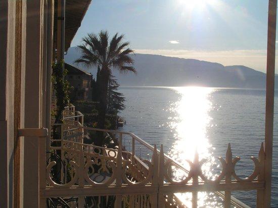 Grand Hotel Gardone Riviera : 日の出