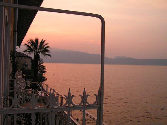 Grand Hotel Gardone Riviera : テラスからの景色