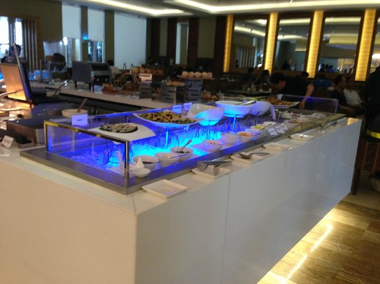 Widus Hotel and Casino: Breads, Pastries selection for breakfast