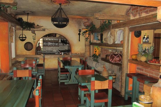 Vieja Cuba: Breakfast room