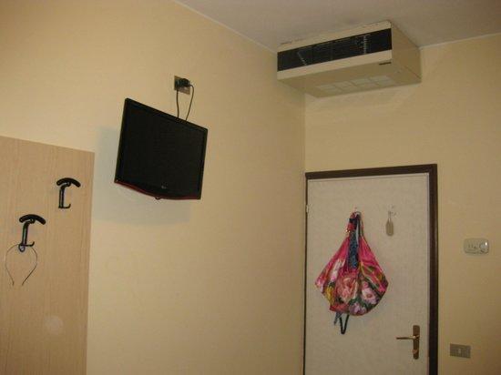Villa Veneta: Телевизор и кондиционер