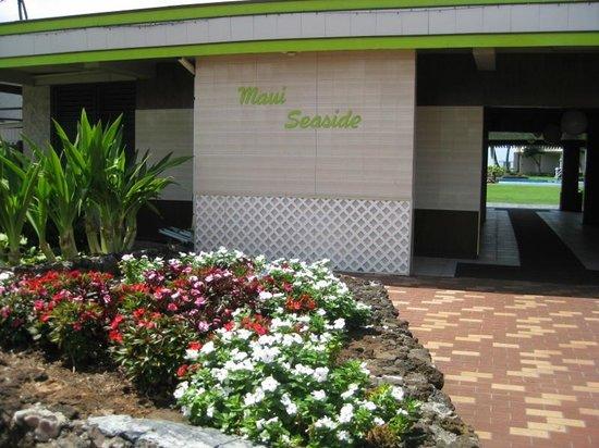 Maui Seaside Hotel: Hotel entrance