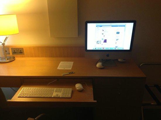Doubletree by Hilton Hotel Leeds City Centre: Room apple Tv! fab