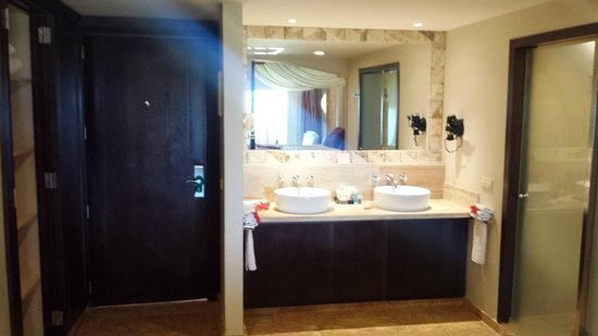 Majestic Elegance Punta Cana: Room Sink/Bathroom