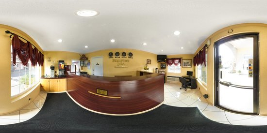 Rodeway Inn National City: Panoramic office