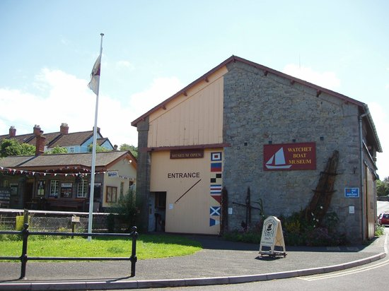 Watchet Boat Museum: Look for the big anchor