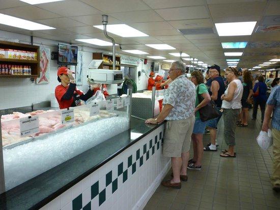 Seafood market picture of joe patti 39 s seafood pensacola for Florida fish market