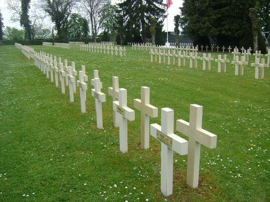 ‪French National Cemetery‬
