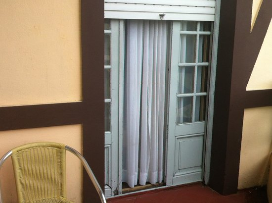 Hotel Colon: Balcón de habitación superior