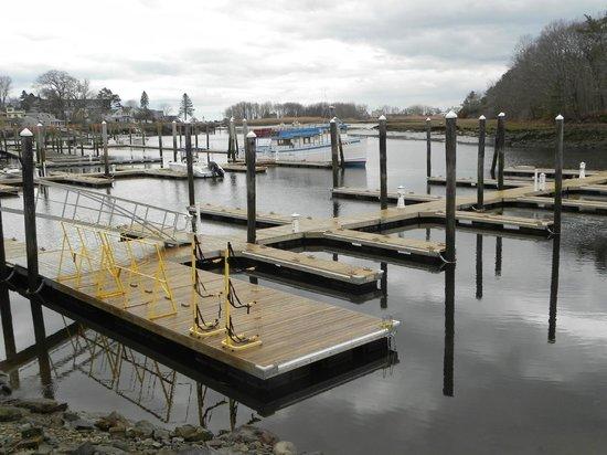 Yachtsman Lodge & Marina: Marina off season, view from room