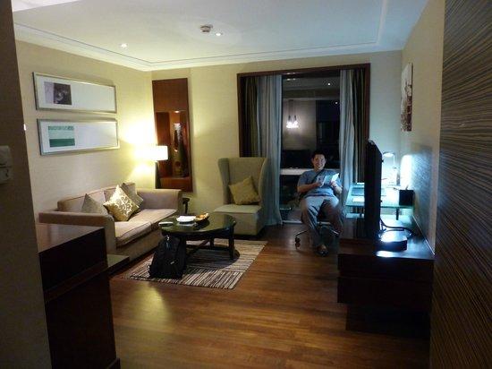 Holiday Inn Bangkok : Junior Suite