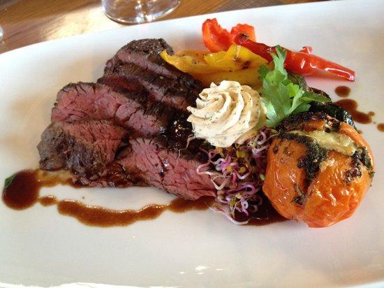 CarLo 615: Steak mit Grillgemüse und Kartoffel-Selleriestampf