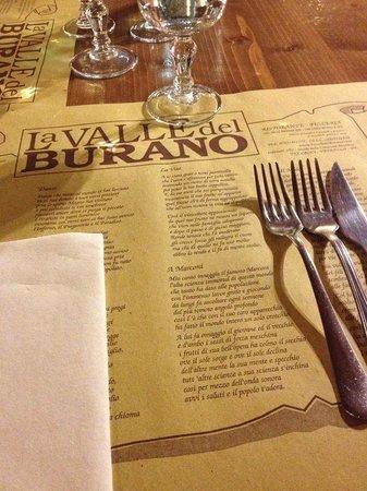 La Valle Del Burano : Tavolo