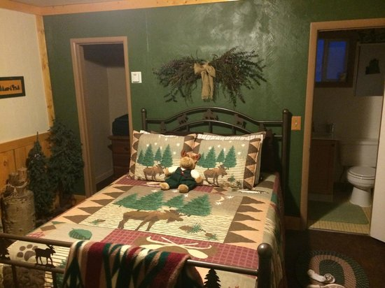 Cowboy Country Inn: One of the best beds in the 7 hotel/motels we stayed in Utah, excellent quality linen