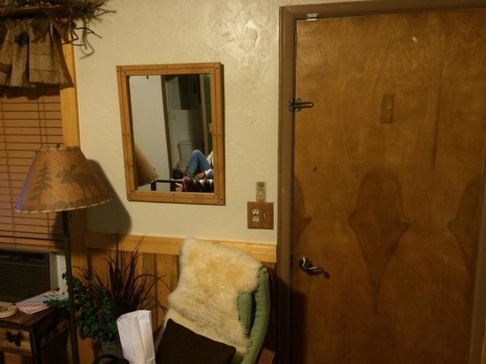 Cowboy Country Inn : homely feeling - nice decor