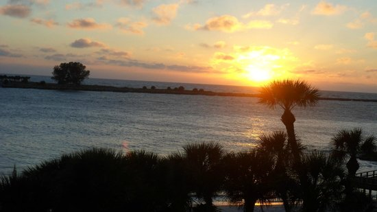DreamView Beachfront Hotel & Resort: Sunset from our room