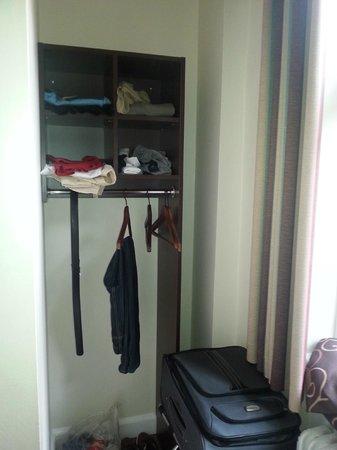 Hotel Sct. Thomas : Closet