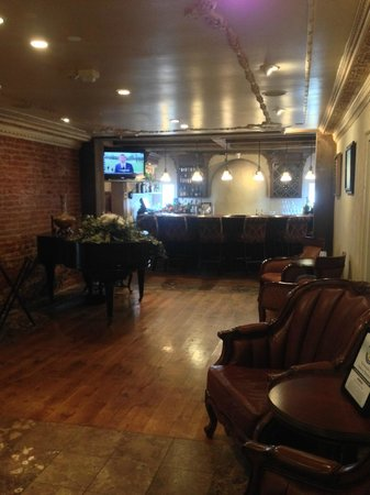 The Mansion Restaurant at Nottoway: The bar