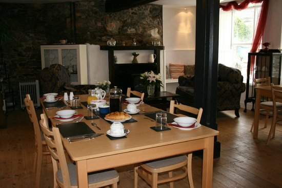 Aber Cottage: Guest Lounge & Dining Room