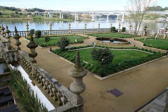 Pestana Palacio do Freixo: Beautiful hotel grounds