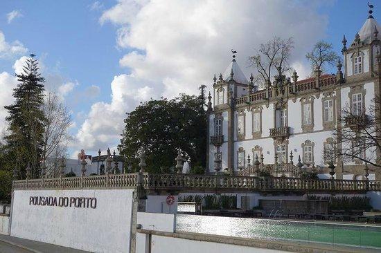Pestana Palacio do Freixo: Main hotel building with common areas from river