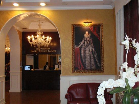 BEST WESTERN PLUS Hotel Felice Casati: Vista dall'ingresso