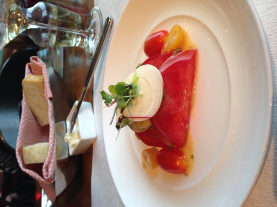 Kauai Grill: The Heart of Palm and Tomato salad is great