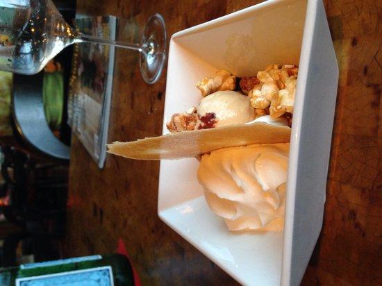 Kauai Grill: Salted-caramel ice cream with popcorn is crackerjackerific!