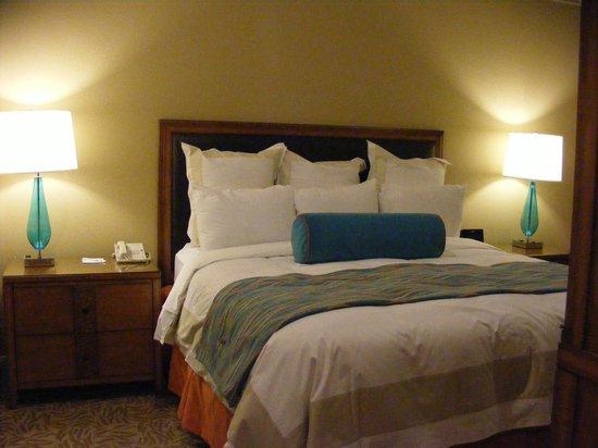 Marriott's Desert Springs Villas II: Master Bedroom in a 1 Bedroom unit