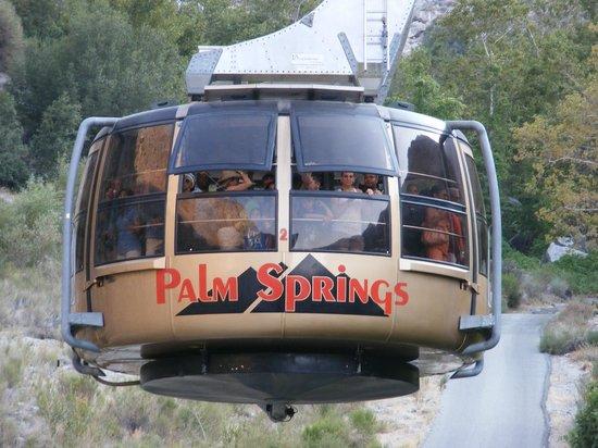 Marriott's Desert Springs Villas II: view riding up the Palm Springs rotating Aerial Tram