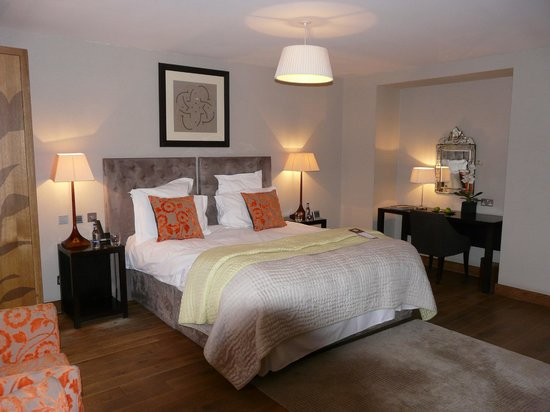 Tigerlily Hotel: Big comfy bed