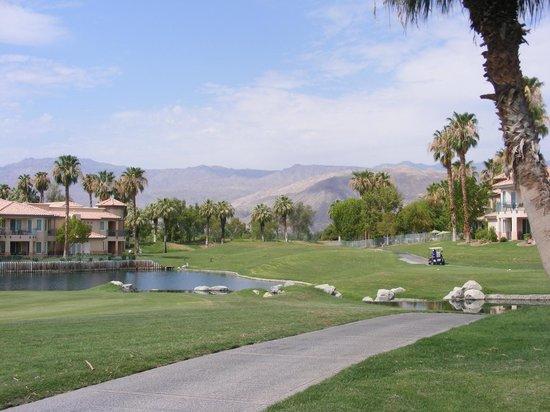 Marriott's Desert Springs Villas II: Golf Course & mountain views, view from room