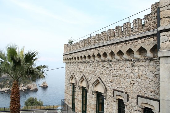 Hotel Villa Carlotta: Amazing stone work