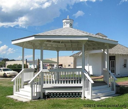 Old Montana Prison Complex : The Gazebo in Cottonwood City in Deer Lodge